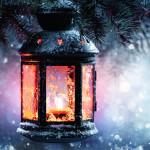 resized-lantern-in-snow